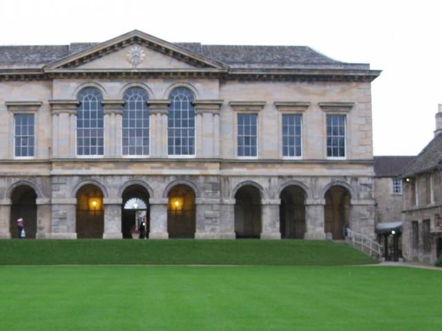 """Choc a Oxford: """"I seminari cristiani causano turbamento"""""""