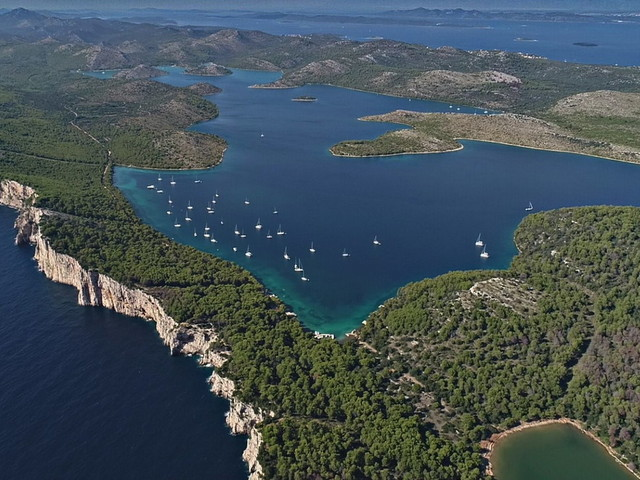 Donnavventura: in catamarano lungo le coste della Croazia