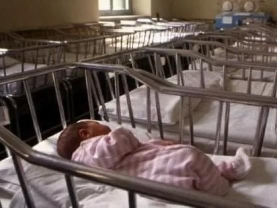 """Demografia, allarme dell'Istat: """"A nove mesi dal lockdown già 12mila bambini in meno"""""""