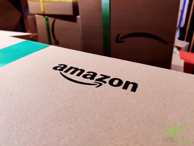 Amazon regala buoni sconto da 10 euro agli studenti neo iscritti