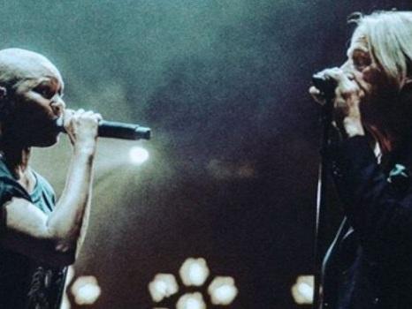 Gli Skunk Anansie e Paul Weller duettano a sorpresa durante uno show di Londra (video)
