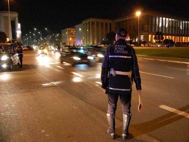 Vendita di alcolici ai minorenni ed eccesso di velocità sulle strade: fine settimana di controlli da parte della Polizia Locale