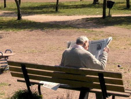 Leggere e scrivere proteggono il cervello dalla demenza