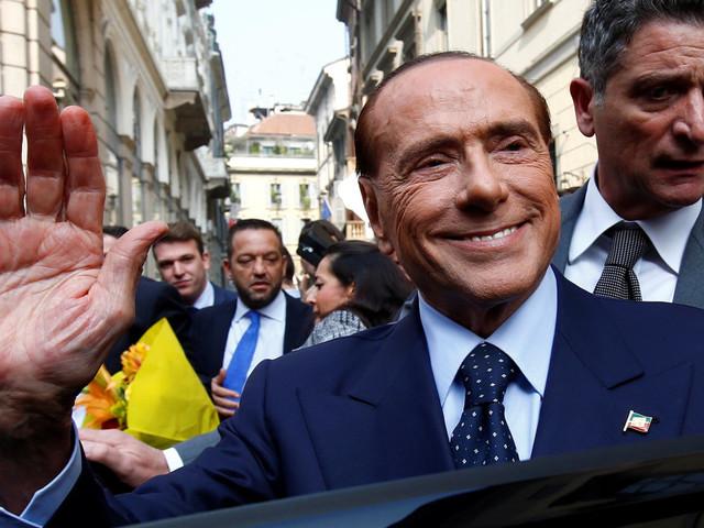 Anche Berlusconi si sfila con garbo. E si indebolisce il fronte pro-Visco