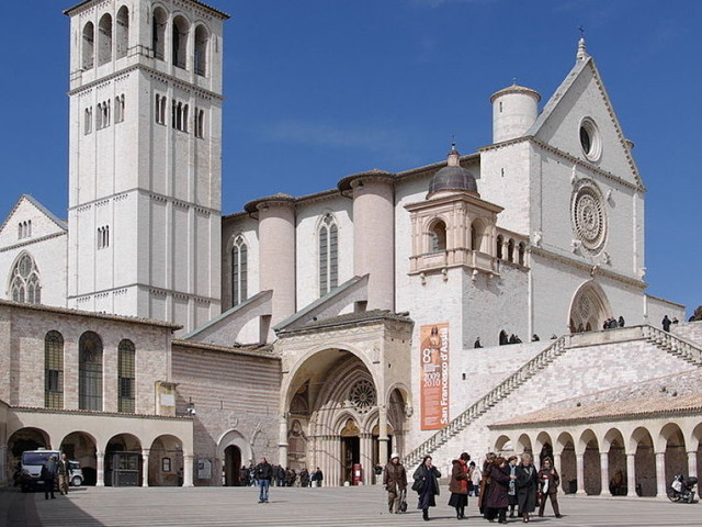 Ad Assisi il Cortile di Francesco spazio d'incontro e ascolto