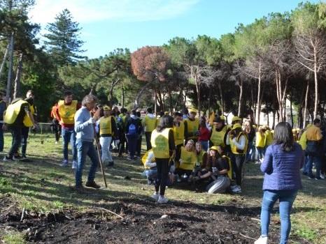 Gli studenti presentano un progetto per la pineta di Tropea