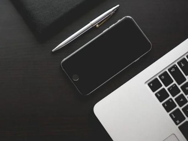 Sfondo nero: davvero aiuta a risparmiare batteria