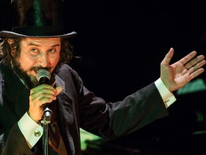 Vinicio Capossela al Teatro Creberg di Bergamo: biglietti, orari e scaletta