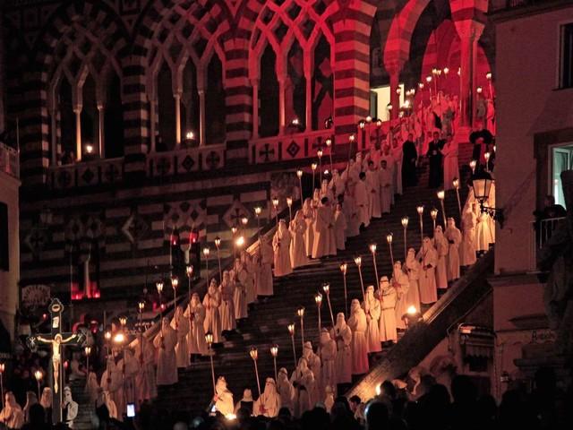 Dalla Costiera Amalfitana al Cilento: ecco le processioni più suggestive del Venerdì Santo