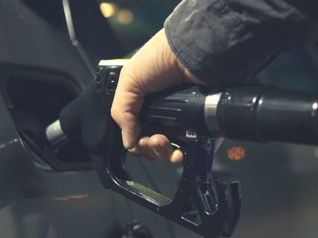 Prezzo dei carburanti: in calo il Gpl, stabilità per benzina e diesel
