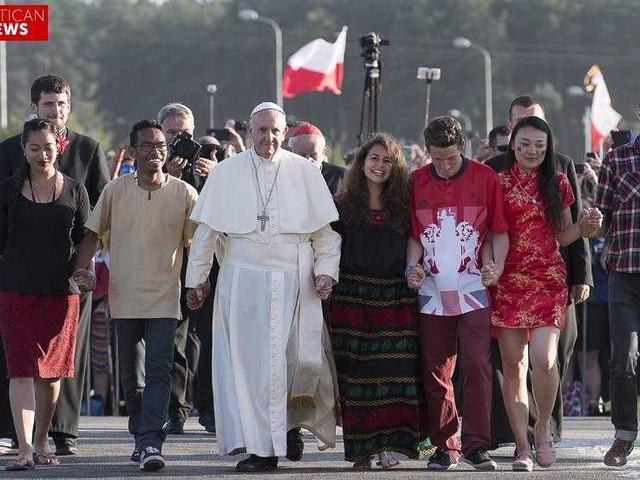 """""""The Economy of Francesco"""", Il discorso del Papa: «La misura dello sviluppo è l'umanità» (VIDEO)"""