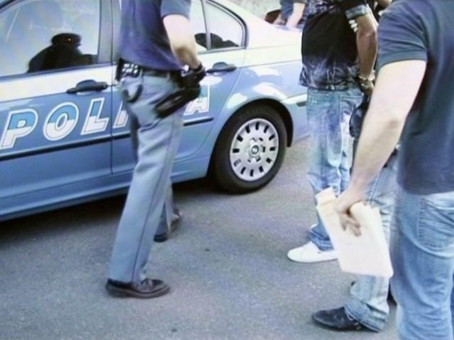 Venezia, tunisino pregiudicato picchia agenti, ma torna subito libero