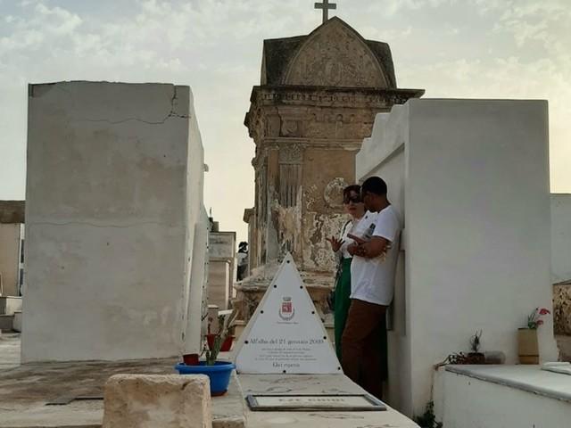 Nel nuovo cimitero di Lampedusa ci sarà un'area per i migranti