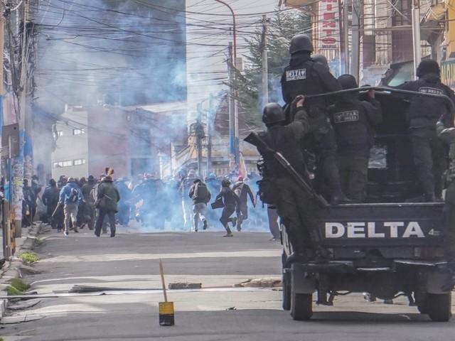 """""""La mia Bolivia sarà il nuovo Vietnam"""". Morales minaccia, i cocaleros sparano"""