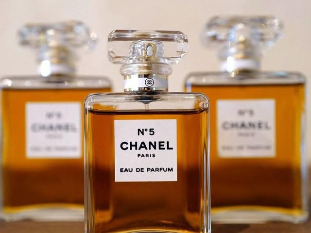 Chanel N°5, il profumo del secolo