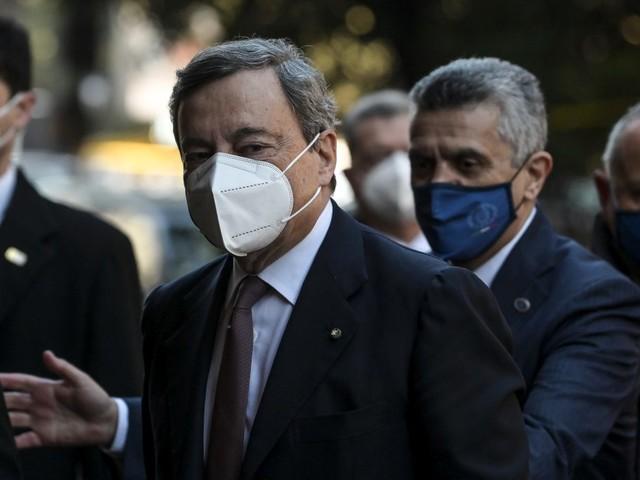 Covid, Draghi firma il suo primo Dpcm, scuole chiuse nelle zone rosse
