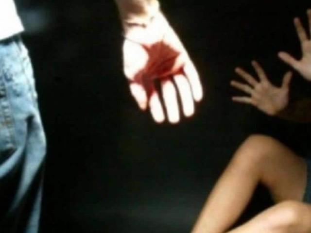 Napoli, violenze su due studentesse minorenni a scuola: arrestato bidello 55enne