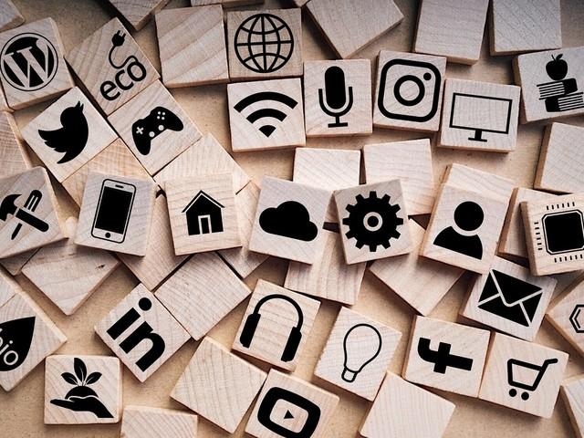 Italiani ultimi in UE per uso dei social: colpa della qualità delle connessioni