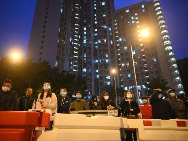 Virus Cina, a Hong Kong assaltato grattacielo per la quarantena dei malati