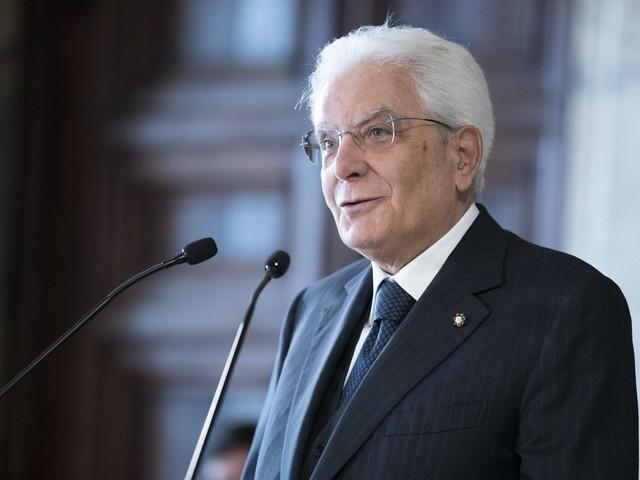 Mattarella bacchetta Conte: risolvete i problemi o elezioni