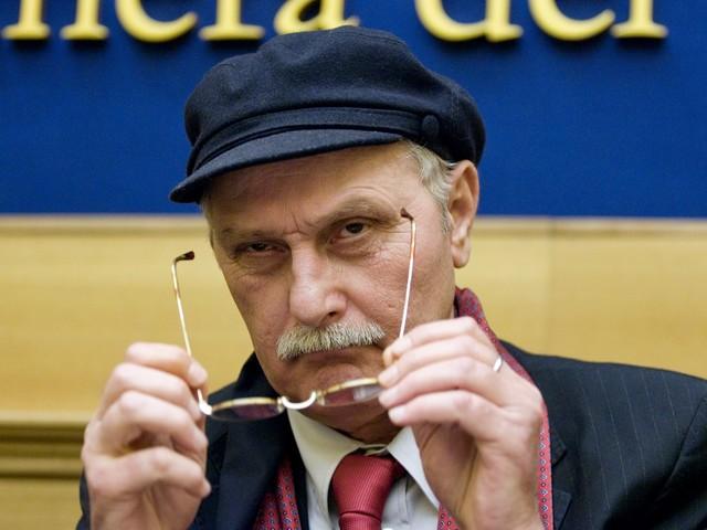 """""""Tajani ha detto il vero proprio come Togliatti: Mussolini fece del bene"""""""