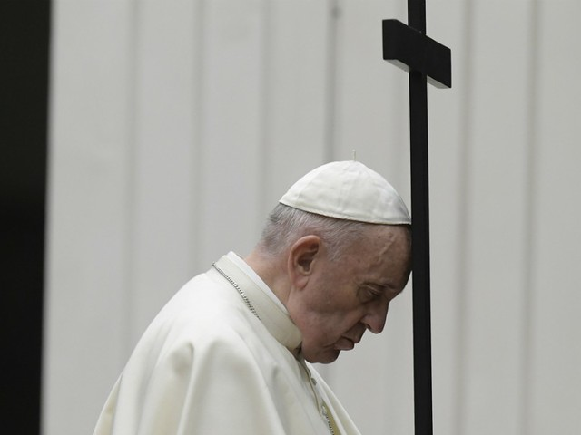 "MUHAMMAD YUNUS/ Premio Nobel: ""Papa Francesco sia leader del mondo nuovo post-Covid"""