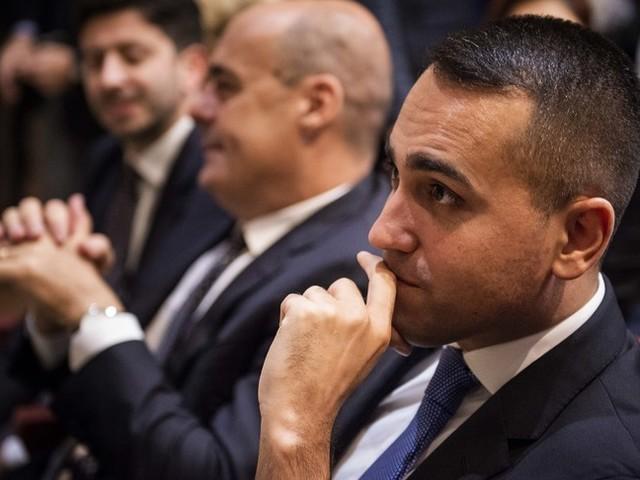 Il M5s alza un muro sulla riforma del Mes, il Pd si gode la 'vittoria' diZingaretti