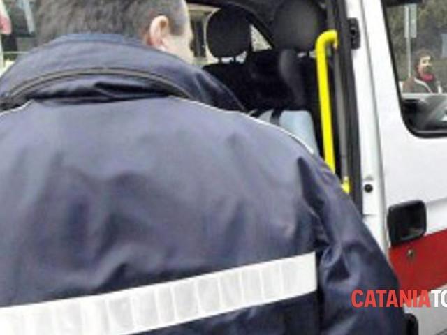 Incidente stradale in Circonvallazione, auto travolge e uccide un passante