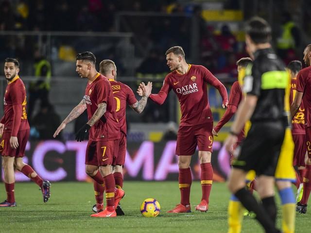 La Roma vince al 95' a Frosinone: Dzeko regala la vittoria ai giallorossi