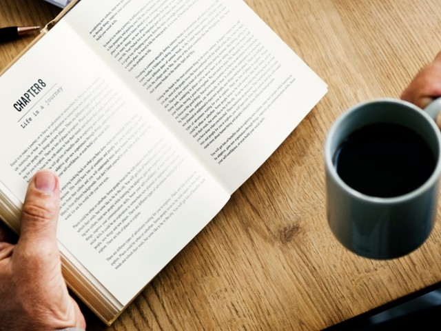 'Per il tuo bene ti mozzerò la testa': per dirla alla Calvino, un libro 'fatto per altri usi che la lettura'