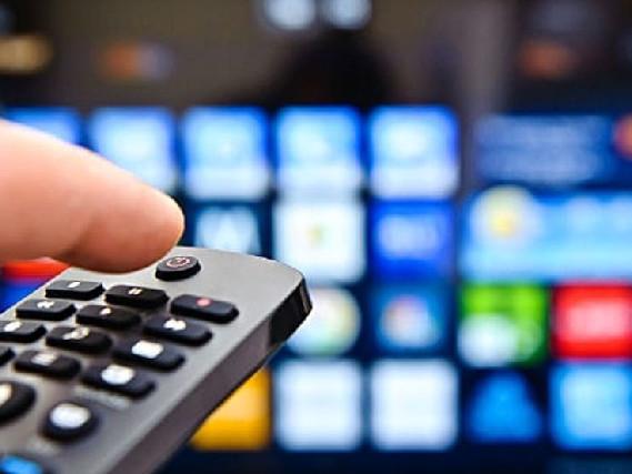 Stasera in TV, programmi oggi 19 settembre: Un passo dal cielo, Eurogames e tanti film