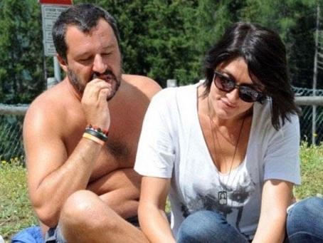 "Duce Salvini e le ""docce"" per i migranti"