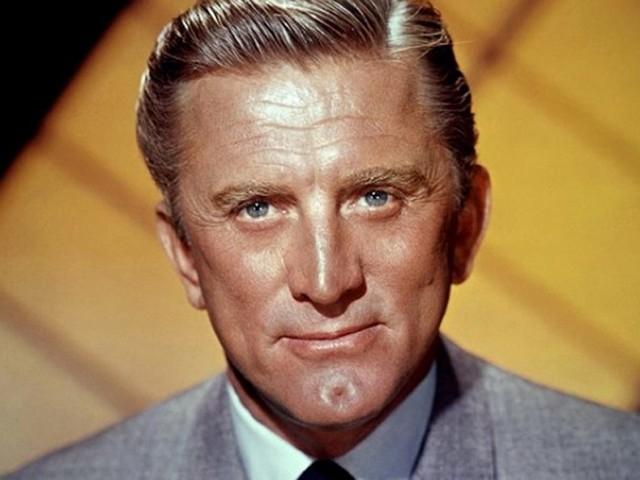 Addio a Kirk Douglas, scompare a 103 anni l'ultima leggenda di Hollywood