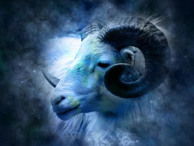 Oroscopo di domani 8 febbraio: la Luna 'sposa' l'Ariete, opportunità per i cancrini