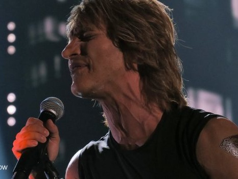 Il rock di Bon Jovi con Marco Carta a Tale e Quale Show in It's my life (video)