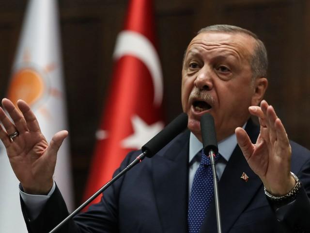 Lo strabismo dell'Europa: sanziona Erdogan ma gli consente di censurare le idee libere