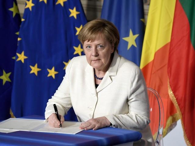 Rusconi: «L'Italia è prigioniera dei talk show, la Germania dell'insicurezza»