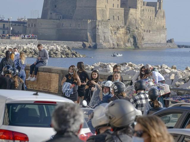 Regioni, patto anti-zone. Napoli a rischio esercito