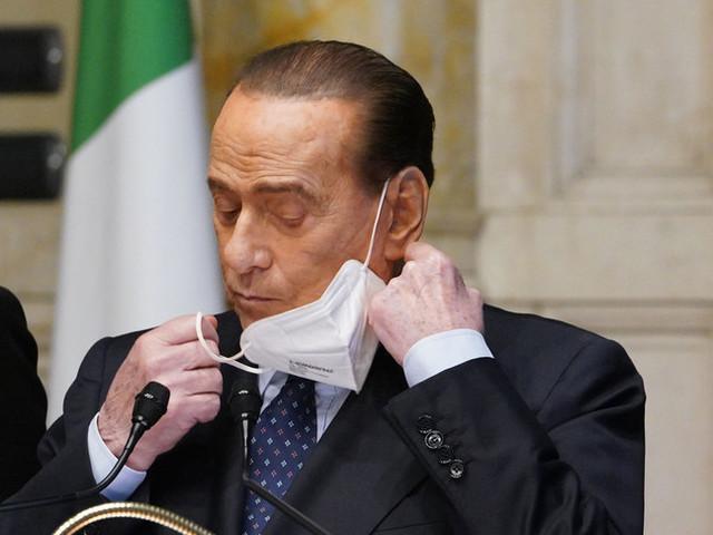 """Berlusconi: """"Sarebbe irresponsabile interrompere il governo Draghi"""""""