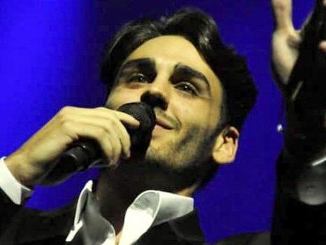 Aspettando Sanremo, Alberto Urso annuncia il tour: concerto a Taormina