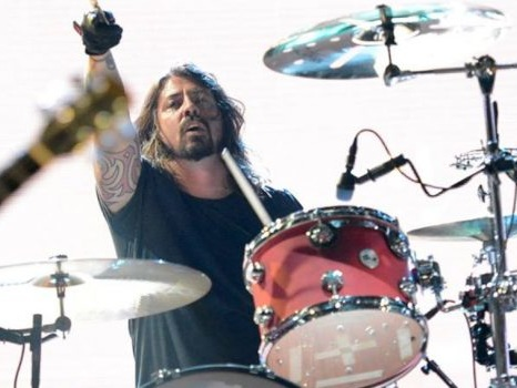 "Dave Grohl dei Foo Fighters ricorda i Nirvana: ""Smells Like Teen Spirit mi ha cambiato la vita"""