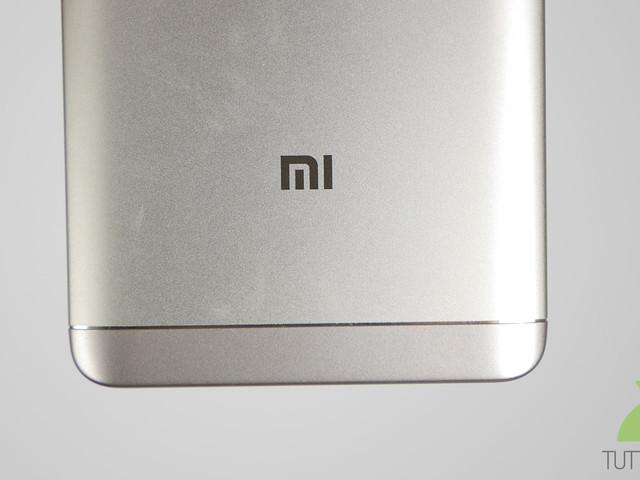 Sembra ormai imminente il lancio di Xiaomi Redmi 5 Plus: ecco la confezione di vendita