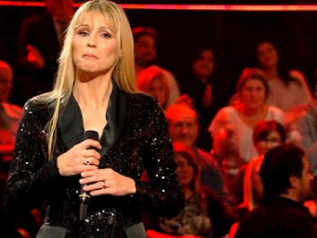 Michelle Hunziker, ad All Togheter Now cantano il brano che le dedicò Eros Ramazzotti