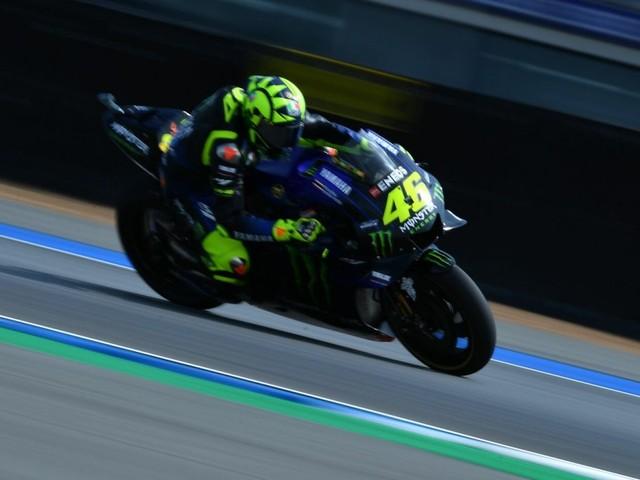 LIVE MotoGP, GP Thailandia 2019 in DIRETTA: Marquez domina il warm-up, bene Valentino Rossi, problema sulla moto di Dovizioso. Gara alle 9.00