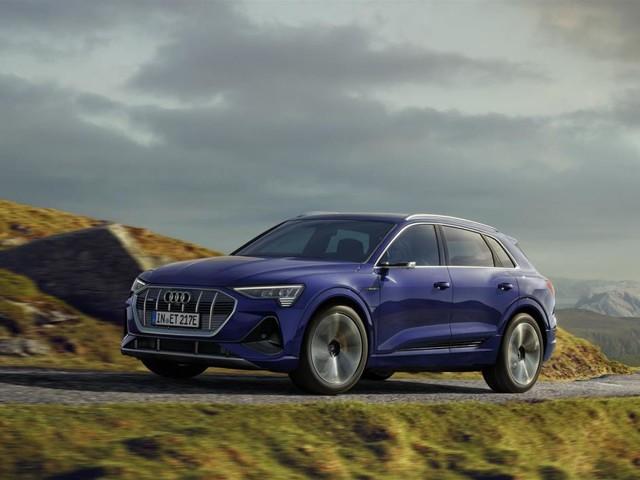 Stop da 10 minuti, ricarichi e aggiungi altri 110 km di autonomia con Audi e-tron