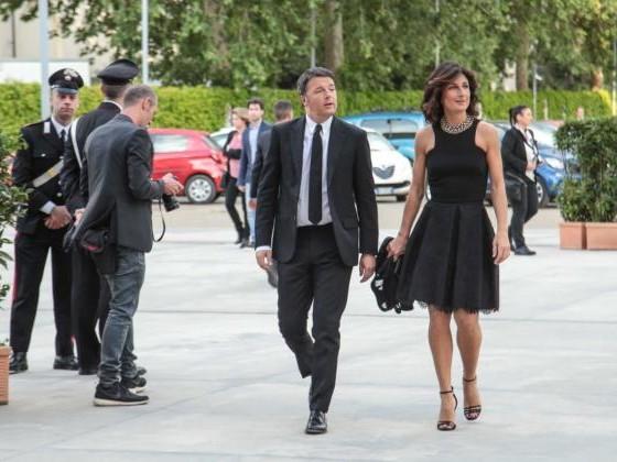 Matteo Renzi e Agnese chiedono 500mila euro a Dagospia