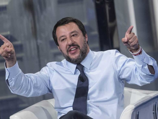 Matteo Salvini sbarca su Tik Tok ed il suo primo video è super cringe