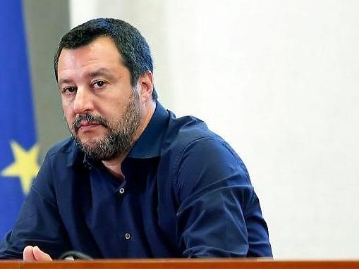 """Sbarcati i minori dalla Open Arms, Salvini """"Almeno 8 maggiorenni"""""""