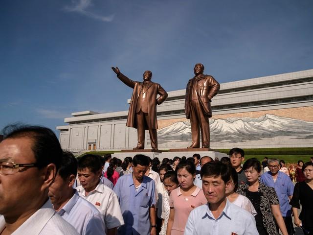 """Quei regali stravaganti alla """"dinastia"""" dei Kim"""