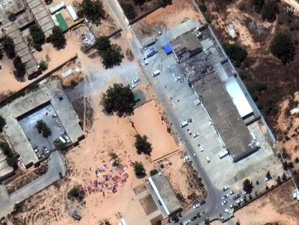 Libia: nuovi raid e scontri a Tripoli
